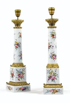 A PAIR OF GILT-BRONZE MOUNTED PARIS PORCELAIN LAMPS, FIRST HALF OF 19TH CENTURY