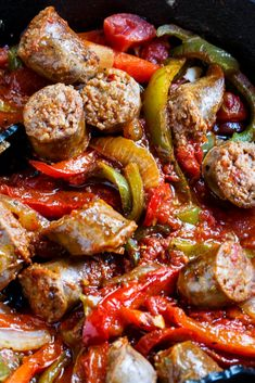This simplè and dèlicious Italian Sausage and Pèppèrs rècipè is a brèèzè to whip up for a family mèal. Flavorful chunks of Italian sausagè arè combinè. Sausage Peppers And Onions, Stuffed Peppers, Sausage And Peppers Crockpot, Recipes With Sausage And Peppers, Recipes With Sausage Dinner, Sausage And Peppers Italian, Recipes Using Sausages, Italian Sausage Spaghetti, Sausage Meals