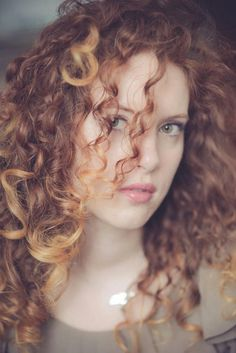#curlyhairromance