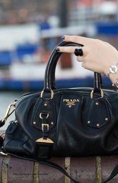 Style -essential details - Prada