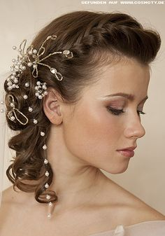 Masquerade Hairstyles For Long Hair : ... Masquerade ball, Bridal hairstyles and Hairstyles curly hair