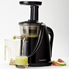 cold pressed juicer - hurom