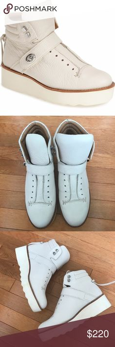 Coach Womens Urban Hiker Boots sz 8.5 new Coach Womens Urban Hiker Platform Ankle Boots Chalk Leather Ivory White New New no box, Store floor sample, sole is not perfect clean, some yellow spots on the soles, see pictures Fast shipping Coach Shoes Ankle Boots & Booties