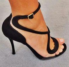 Sexy Love this shoe! http://www.tradingprofits4u.com/