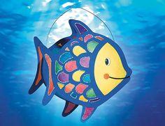 Ich geh mit meiner Laterne und meine Laterne mit mir... Wie wäre es mit einer bunten Regenbogenfisch-Laterne, 100 % selbst gemacht?  Hier gibt es Vorlage & Anleitung! ©  OZ-Verlags-GmbH 2015
