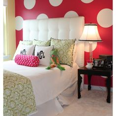 Teen girl room- love the pillows!