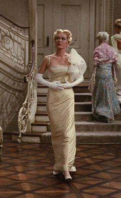 "Eleanor Parker - ""The Sound of Music"" (1965) - Costume designer : Dorothy Jeakins, robe fourreau"