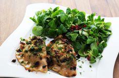 von veganen Küchengelüsten und anderen Dingen...: Piroggen mit Sauerkraut-Pilz-Füllung Sauerkraut, Lunch, Meat, Chicken, Dinner, Food, Lunch Ideas, Fungi, Dining