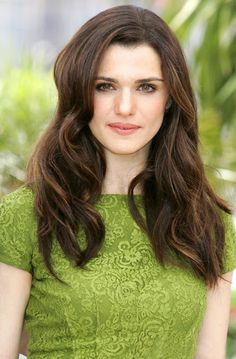 Rachel Weisz is a theater and film actress and a fashion model. You can know about the hairstyles of Rachel Weisz in this article. You can wear them according to your choice. Rachel Weisz, Elizabeth Moss, Mary Elizabeth, Amanda Righetti, Lauren Ambrose, Jessica Biel, Jessica Chastain, Westminster, Beautiful Celebrities