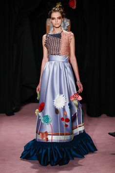 Fashion 2018, Fashion Week, Fashion Models, Fashion Dresses, Evening Gowns Couture, Couture Christian Dior, Victor And Rolf, Conceptual Fashion, Collection Couture