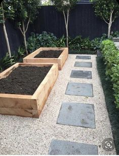 51 Affordable Small Backyard Landscaping Ideas ~ You can find Garden landscaping and more on our Affordable Small Backyard Landsca. Veg Garden, Vegetable Garden Design, Garden Care, Garden Boxes, Garden Edging, Border Garden, Backyard Vegetable Gardens, Terrace Garden, Back Gardens