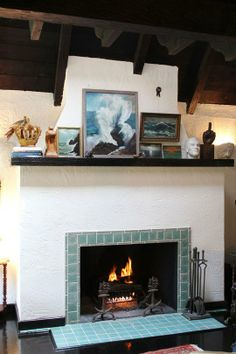 A Touch of Maritime Style at Home: Vintage Seascapes on Display