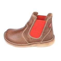 Roskilde in Cocoa/Red (lateral)