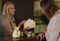 Nie wiesz, co kupić ukochanej osobie na święta? Anna Pikura poleca Vouchery na wszystkie zabiegi w Klinikach Anna Pikura i dowolne biokosmetyki. Wybierz kwotę i podaruj piękno!