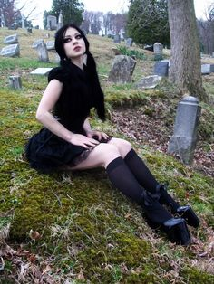 Like the lifts and girlie #Goth style of this cemetery bound babe