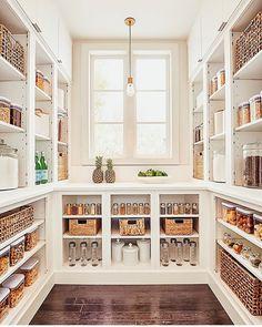 Home Design, Design Room, Kitchen Pantry Design, Ikea Kitchen Pantry, Kitchen Decor, Room Kitchen, Kitchen Interior, Kitchen Ideas, Kitchen Island