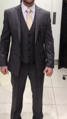 Formal dark grey Grooms suit, better with a blush tie. Dark Grey Groomsmen, Grey Tux, Dark Gray Suit, Groom Wear, Groom Outfit, Groom Attire, Groom Suits, Wedding Men, Wedding Suits