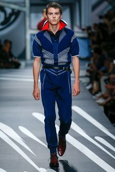 Yes dammit. The whole jumpsuit is a knit. //Prada Spring 2018 Menswear