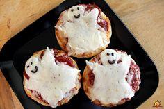 Mini-pizzas de fantasmas / Ghost Mini pizzas  Halloween