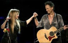 Stevie and Lindsey, looks like love to me! Stevie Nicks Lindsey Buckingham, Buckingham Nicks, Rumours Album, Stevie Nicks Fleetwood Mac, Stunning Photography, Pink Floyd, My Music, Photo Credit, Rock And Roll