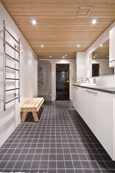 Kylpyhuone | Rustholli Modern Saunas, Spa Rooms, Tile Floor, Bathtub, Woodworking, Interior Design, Bathroom, Houses, Future