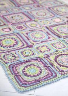 Tekstiiliteollisuus - Adalmiinan helmi CAL Helmet, Crochet, Blankets, Diy, Plaid, Chrochet, Build Your Own, Bricolage, Crocheting