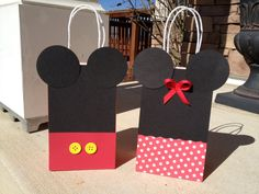 Mickey & Minnie Mouse Birthday Party Gift Bags by PrettyInPrintShop on Etsy.