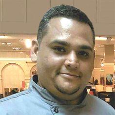 Conoce a Chef Carlos Casiano, propietario de su propia empresa Pasapalos Catering by Chef Carlos.