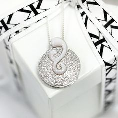 #diamondpendant#diamondjewellery#custommade#kalfinjewellery#diamonds#jewellersmelbourne#giftidea#pendant#bangle#jewellery#weddingrings#custommaderings#cbdjewellers#melbourne www.kalfin.com.au
