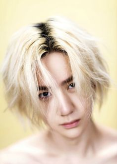 UNIQ Yibo...is..HOT