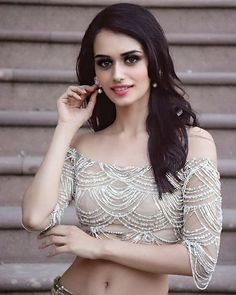 Manushi Chhillar wallpaper, Manushi Chhillar latest photoshoot pics