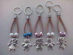 Porta Chaves C/ Meninas/os Handmade Keychains, Diy Keychain, Harley Davidson Jewelry, Harley Davidson Knucklehead, Wire Wrapped Jewelry, Key Rings, Jewelry Art, Jewelry Making, Beaded Bracelets