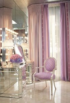 Elegant Makeup Room Checklist & Idea Guide for the best ideas in Beauty Room decor for your makeup vanity and makeup collection. My New Room, My Room, Sala Glam, Tocador Vanity, Mirrored Vanity Table, Mirrored Furniture, Vanity Tables, Vanity Mirrors, Mirrored Bedroom