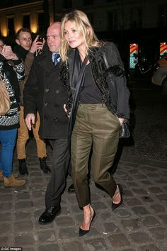 Kate Moss returns to hotel after Balenciaga Fashion Show | Kate Moss Universe