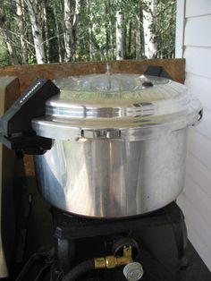 Using a Pressure Canner - Use to can veggies like beans, beets tomatoes, corn, and much more.... http://www.countrylivinginacariboovalley.com/