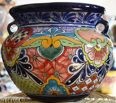 Talavera Small flower pot by MexicanTalavera on Etsy Painted Clay Pots, Hand Painted Ceramics, Talavera Pottery, Ceramic Pottery, Carillons Diy, Mexican Style Decor, Mexican Paintings, Small Flower Pots, Decorated Flower Pots
