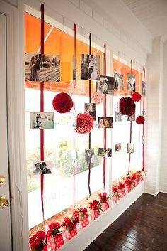 Adoro essa idéia de usar fotos na decoração do salão!