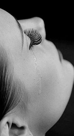 They say crying is good for the soul but all I feel is pain. Tears Of Sadness, Black And White Pictures, Black And White Photography, Crying, It Hurts, In This Moment, Inspiration, Feelings, Portrait