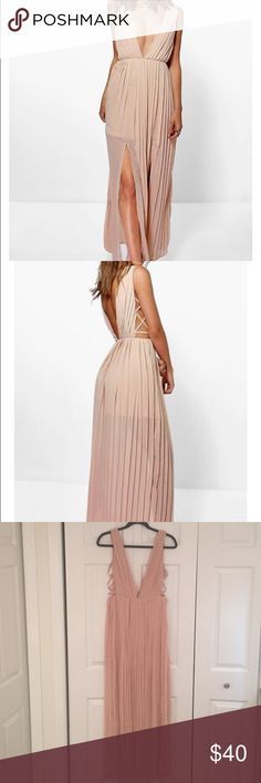 Beautiful Beige Maxi Dress Pleated maxi dress. Plunge neckline and back. Side criss cross design. Back zipper. Only worn once! Great condition! Size US 6. Fits a small/medium Boohoo Dresses Maxi