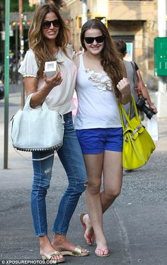 Girl's day out: Kelly Bensimon and her mini-me daughter Sea Louise went out for lunch in New York yesterday for Mother's Day Mode Outfits, Stylish Outfits, Kelly Bensimon, Dr Scholls Sandals, Wooden Sandals, Green Purse, Hot High Heels, Sandals Outfit