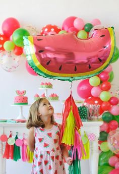 This Watermelon Party is Juicy & Delicious - Project Nursery Watermelon Birthday Parties, Fruit Birthday, Fruit Party, First Birthday Parties, Birthday Party Decorations, Birthday Ideas, Summer Birthday, Party Mottos, Festa Party