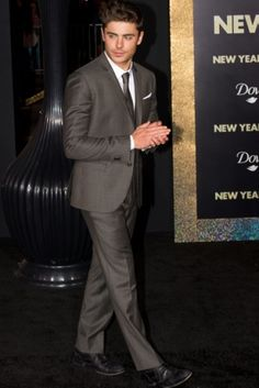 Zac Efron at the Premier of New Years Eve in New York City