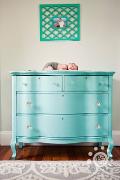 cômoda infantil azul turquesa