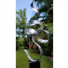 Shop for Extra Large Abstract Metal Garden Sculpture Indoor/Outdoor Decor by Jon Allen - Perfect Moment Get free delivery On EVERYTHING* Overstock - Your Online Home Decor Outlet Store! Metal Tree Wall Art, Scrap Metal Art, Metal Artwork, Yard Sculptures, Metal Garden Sculptures, Tree Sculpture, Sculpture Ideas, Outdoor Garden Statues, Modern Sculpture
