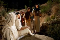 jesus-Is-laid-in-a-tomb-tomb-05-1800