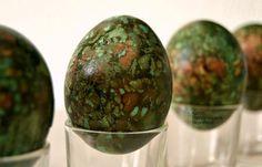 Αυγά βαμμένα με κρεμμυδόφυλλα (δεύτερος τρόπος) - cretangastronomy.gr Easter Recipes, Watermelon, Happy Hour, Eggs, Fruit, Crafts, Food, Manualidades, Essen