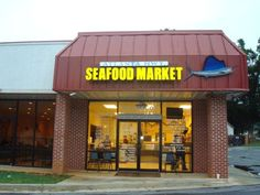 Atlanta Hwy Seafood Market. 227 Atlanta Hwy SW Gainesville, GA 30501. We have fresh seafood: crabs, shrimp, scallops, oysters, and a variety of fish covered with ice and on display in our store. http://www.discoverlakelanier.com