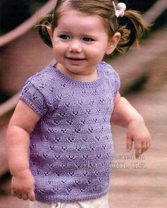 лиловая футболка для девочки вязаная спицами