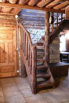 Nice stairs detail for small cabin Rustic Staircase, Staircase Design, Escalier Art, Log Cabin Homes, Log Cabins, Cabin Furniture, Wooden Stairs, Cabins And Cottages, Cabins In The Woods