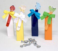 Marca páginas madera animalitos en caja caramelos